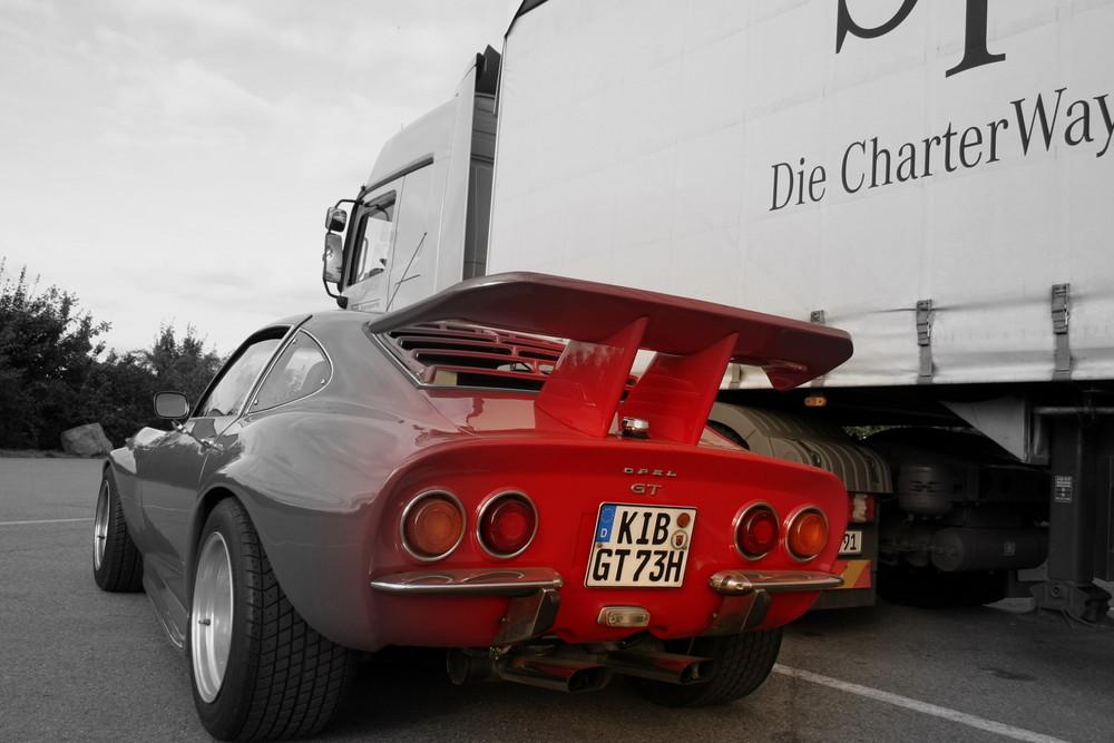 Mercedes ACTROS 1844 meets Opel GT