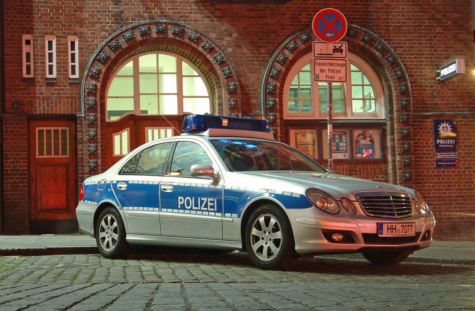 Mercedes-Benz 220 CDI Polizei