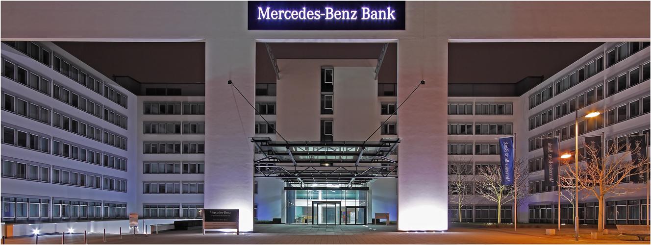 Mercedes-Benz Bank (II)
