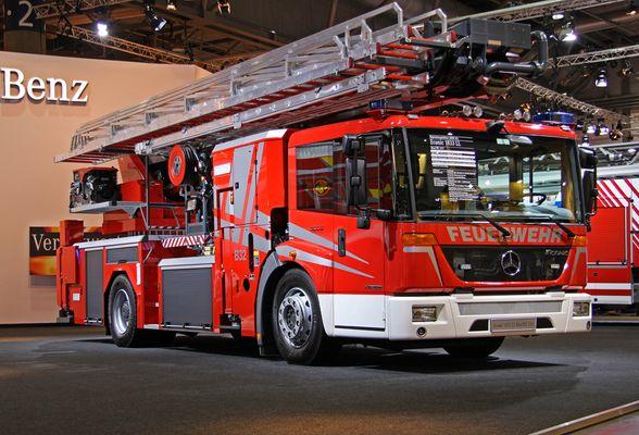 Mercedes Benz Econic 1833 LL
