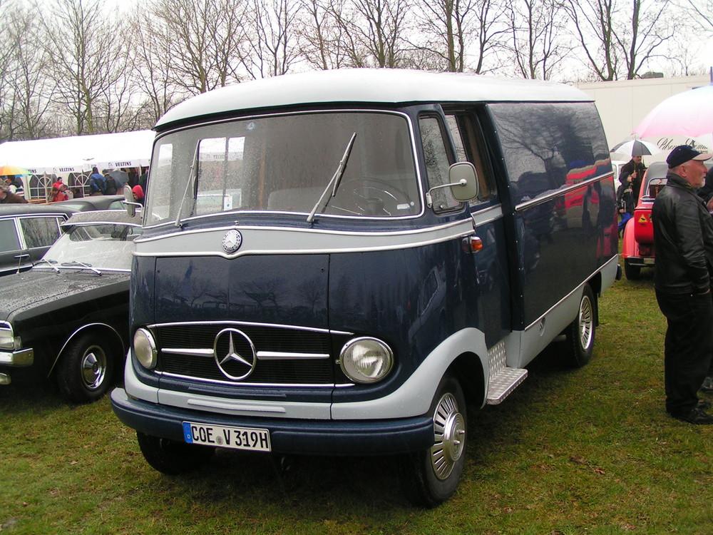 Mercedes Benz L 319
