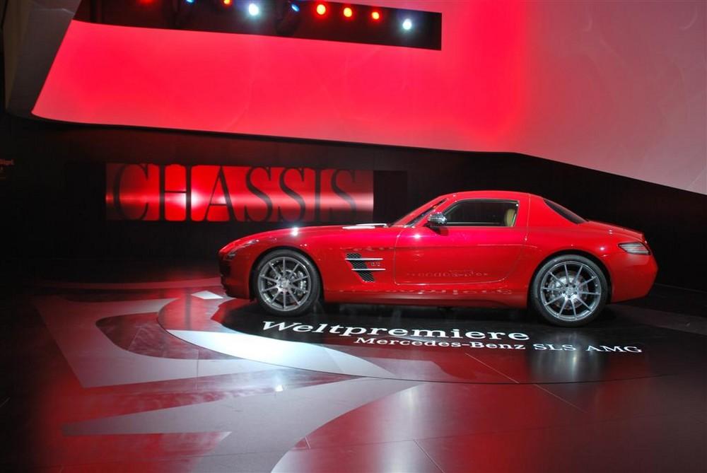 Mercedes-Benz SLS AMG---> Ein Traum in Rot