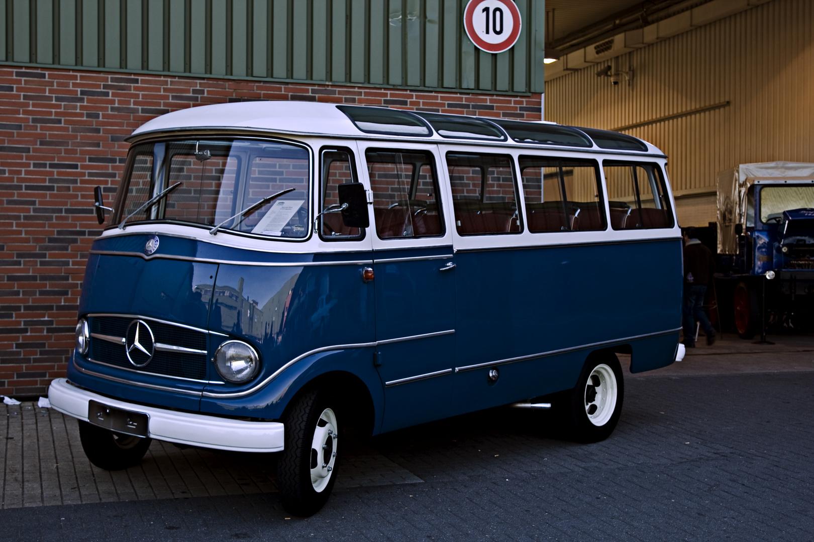 "Mercedes Benz ""Typ 319 55 PS"