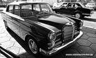 Mercedes Heckflosse und ein Alfa Romeo Alfetta