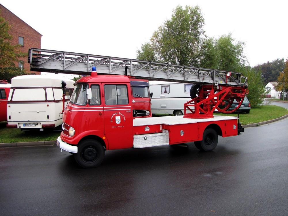 Mercedes L319 Leiterwagen