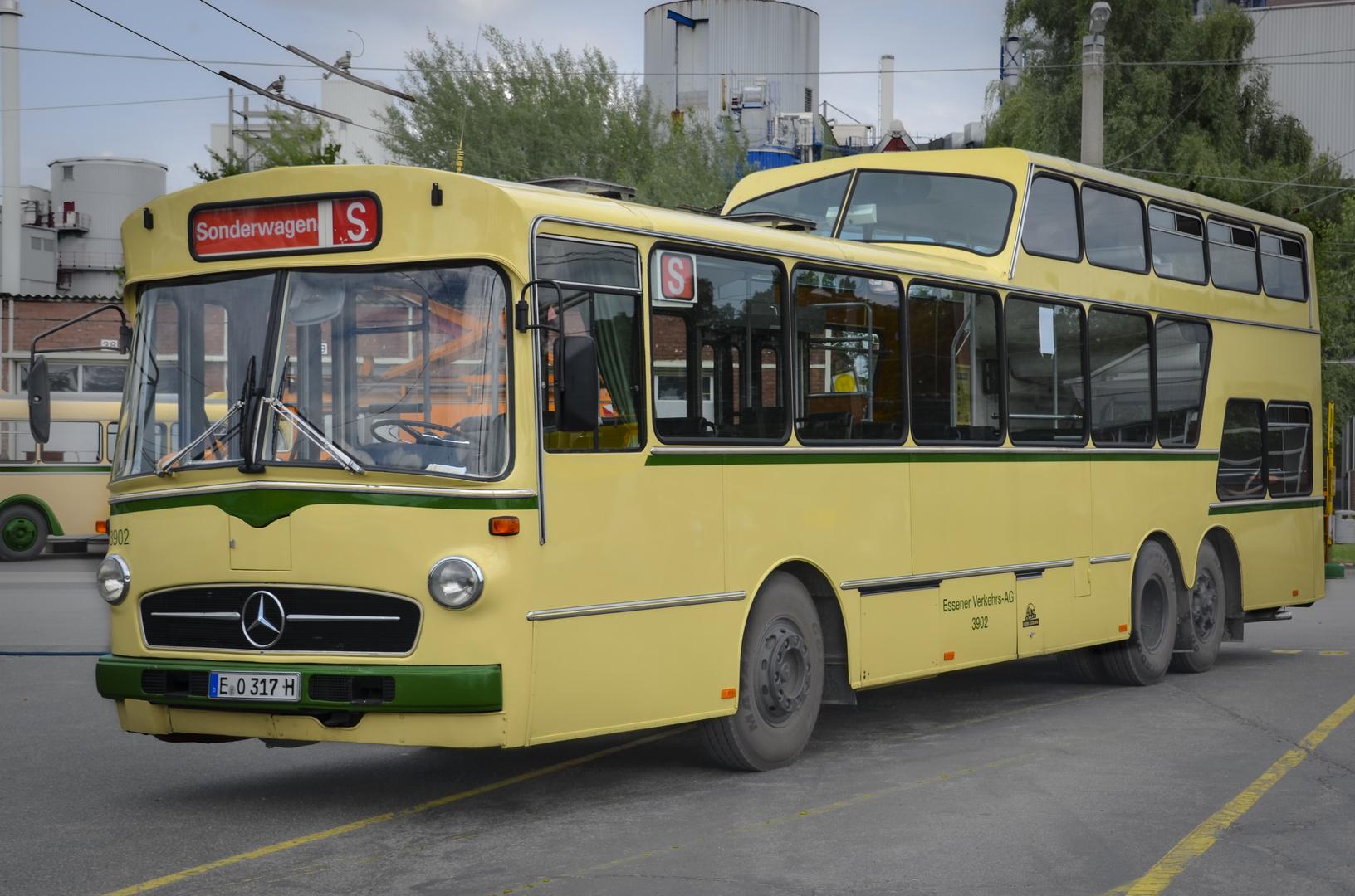 Mercedes O 317