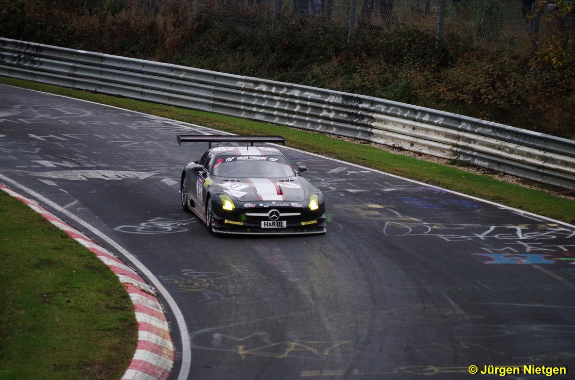 Mercedes SLS AMG GT3 im Brünnchen