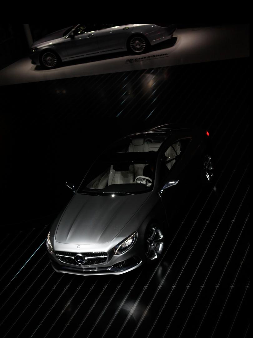 Mercedes Welt I
