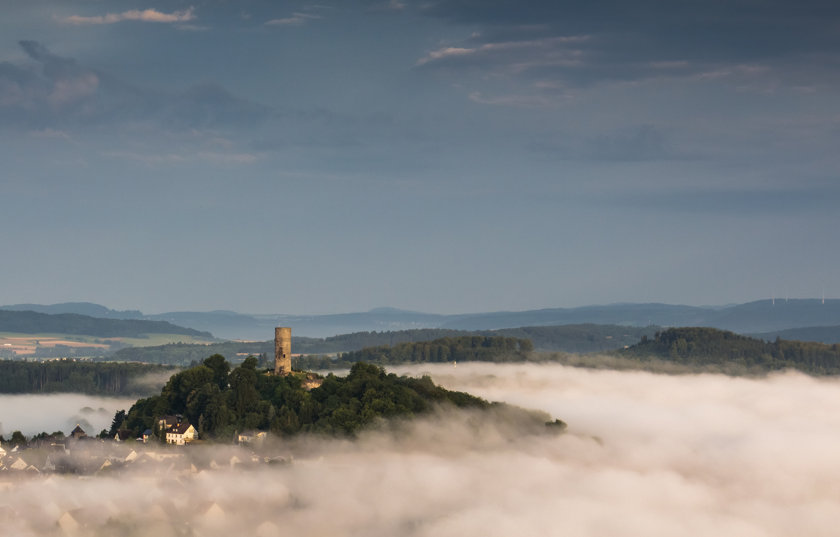 Merenberg im Nebel