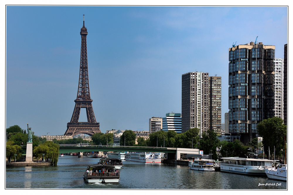 Merçi,  Monsieur Eiffel