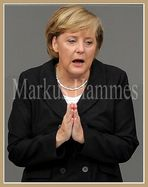 Merkel betet für...