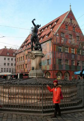 Merkurbrunnen und Weberhaus