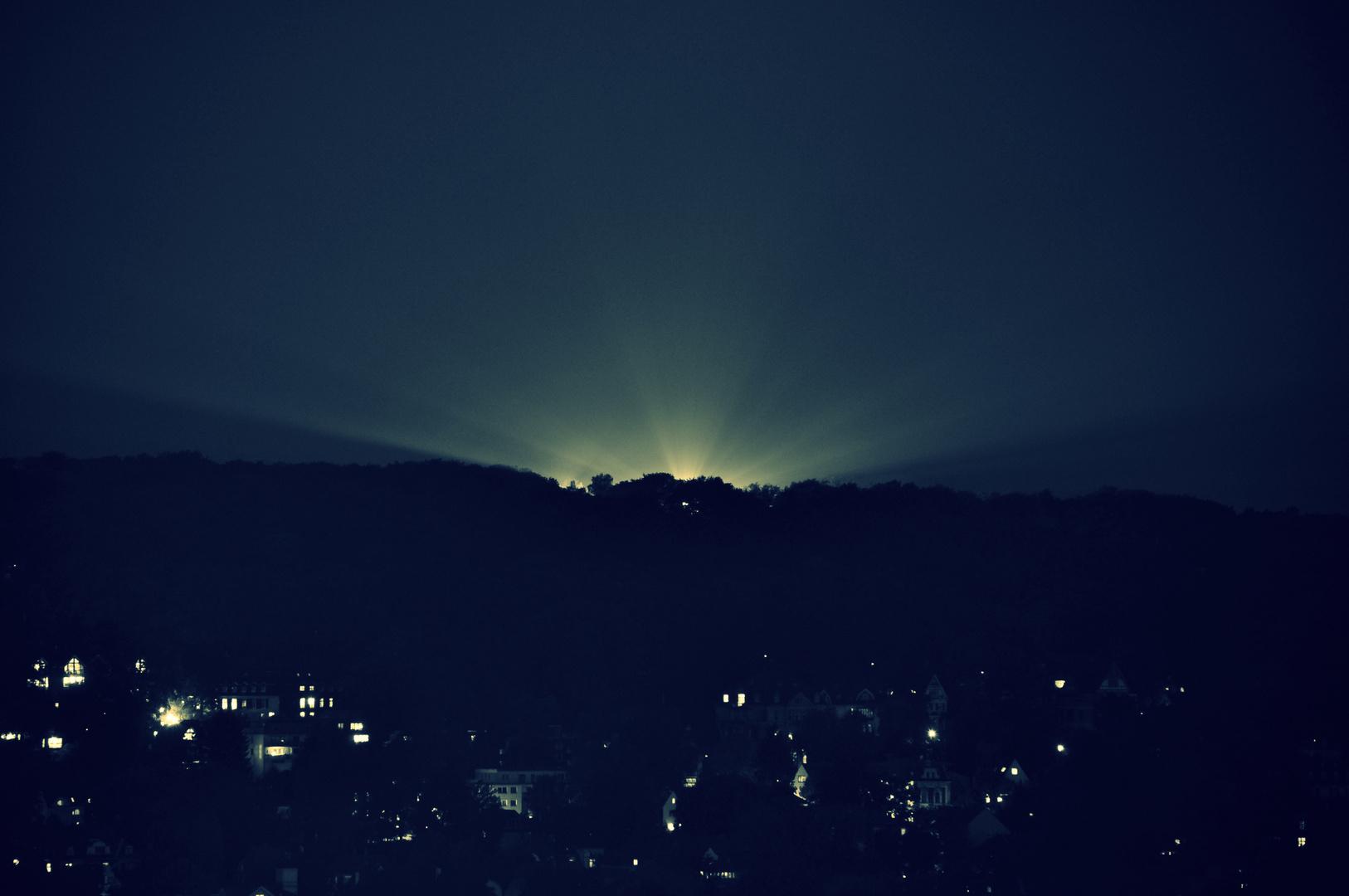 Merkwürdige Lichter am Horizont