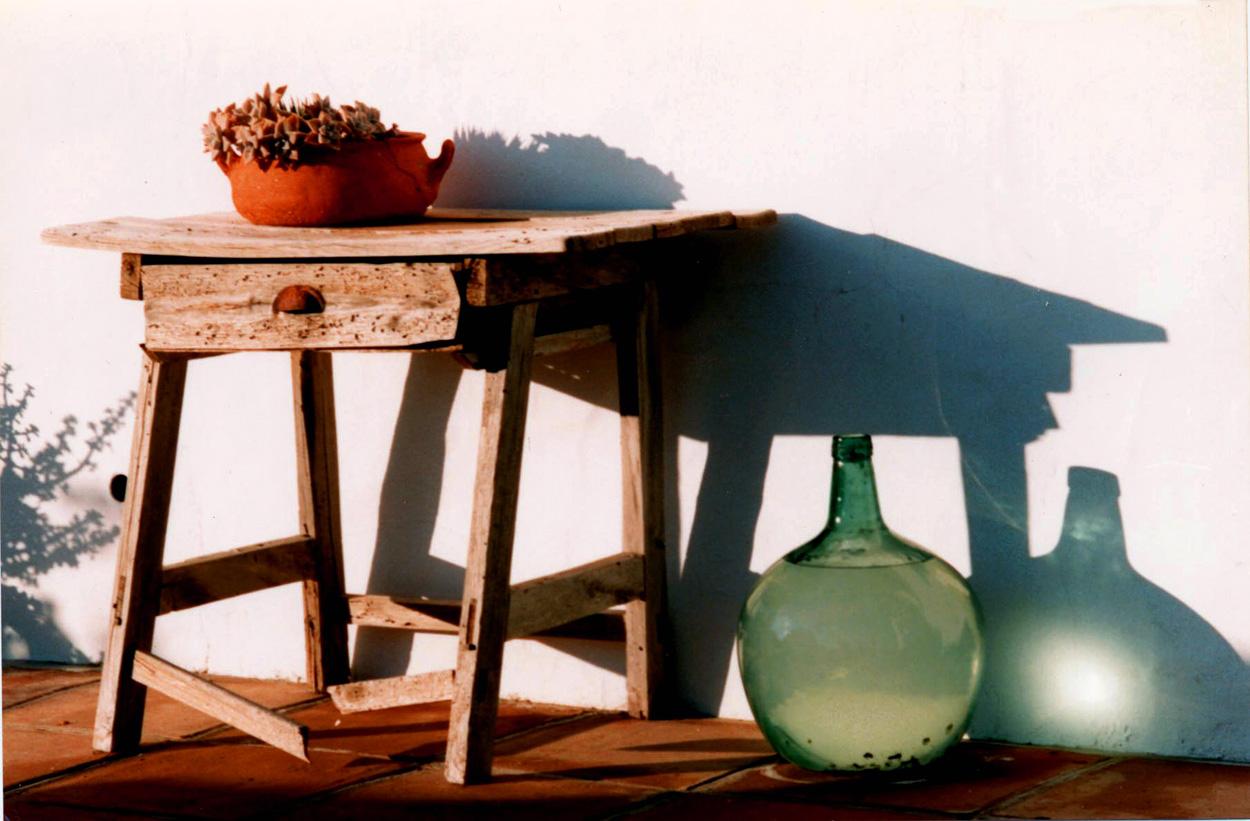 Mesa y Botella