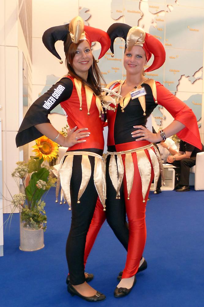 Messegirls auf Deutsch