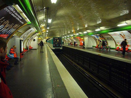 Métro De Paris - SAINT SLUPICE