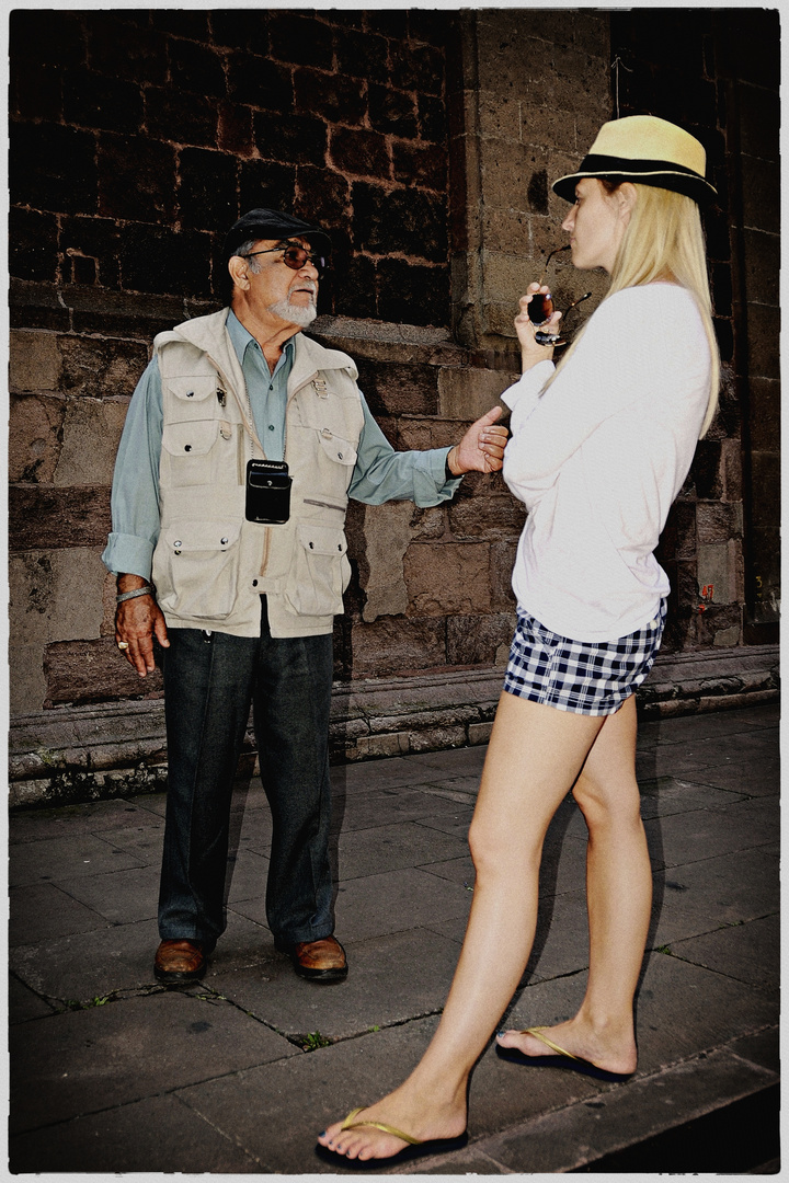 Mexican tour guide with a german girl