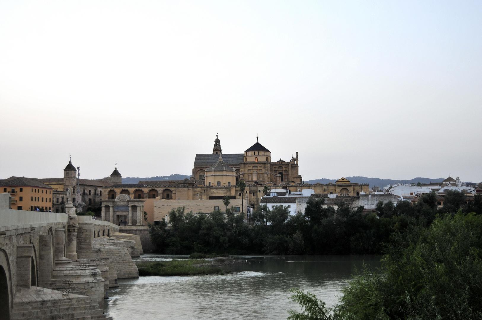 mezquita y guadalquivir