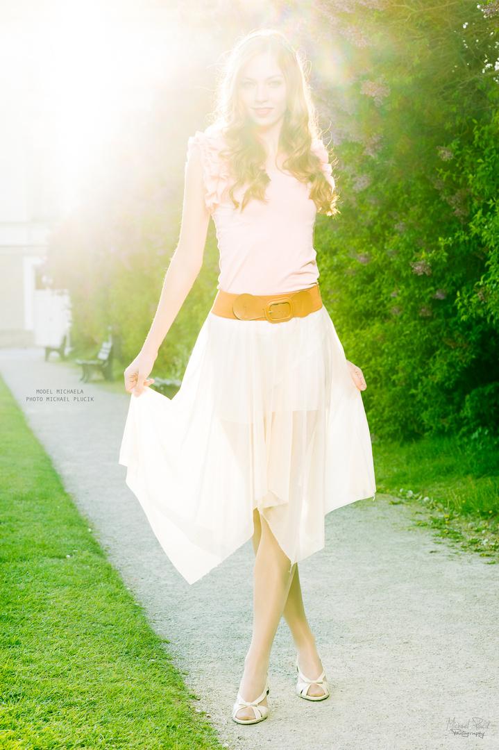 Michaela im Schlosspark #1