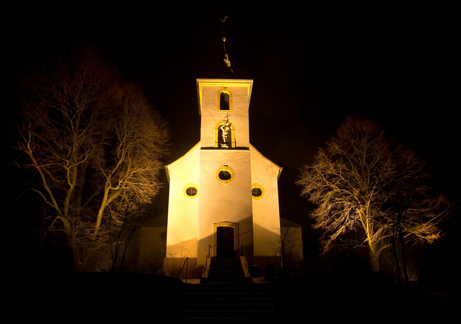 Michaelsbergkapelle bei Nacht
