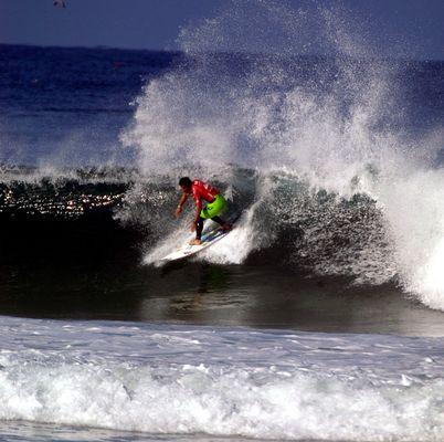 michel bourrez surf the waves!