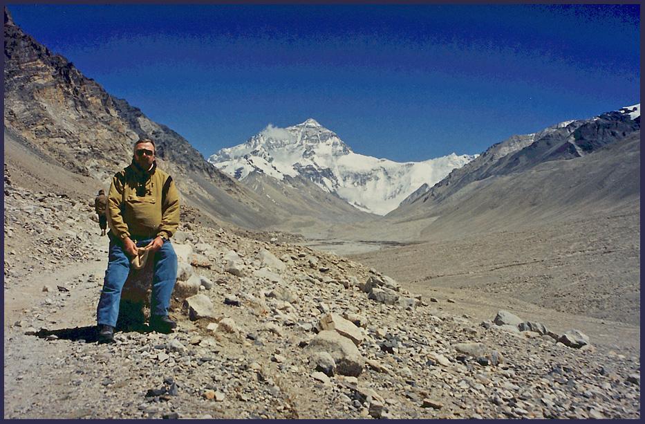 Michelinmännchen vor Mount Everest , Rongbuk Tibet