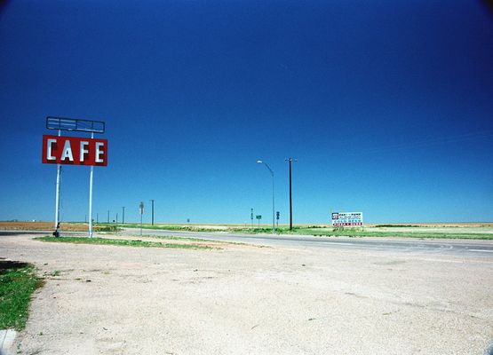 Midpoint Route 66 - In the middle of nowhere