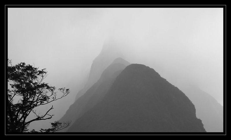 Midre Peak
