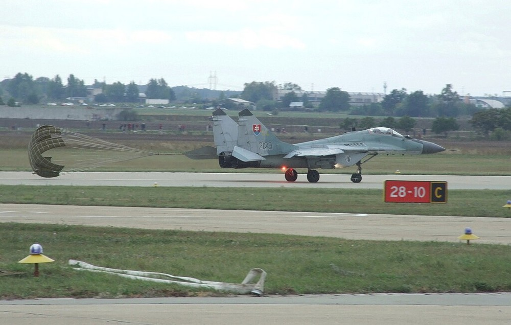 MIG29 Slovak AF - Landing