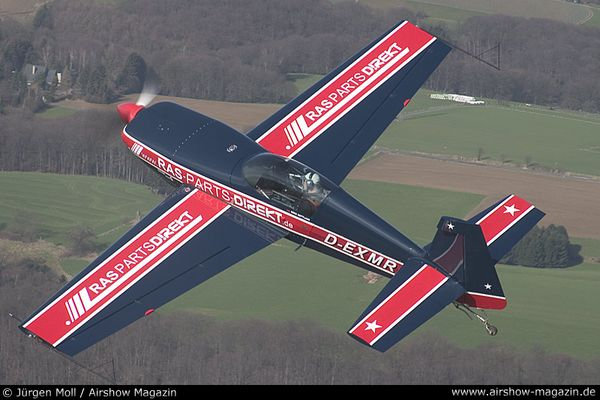 Mike Rottland mit Extra 300 S