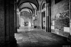 Milano, Sant'Ambrogio, ingresso