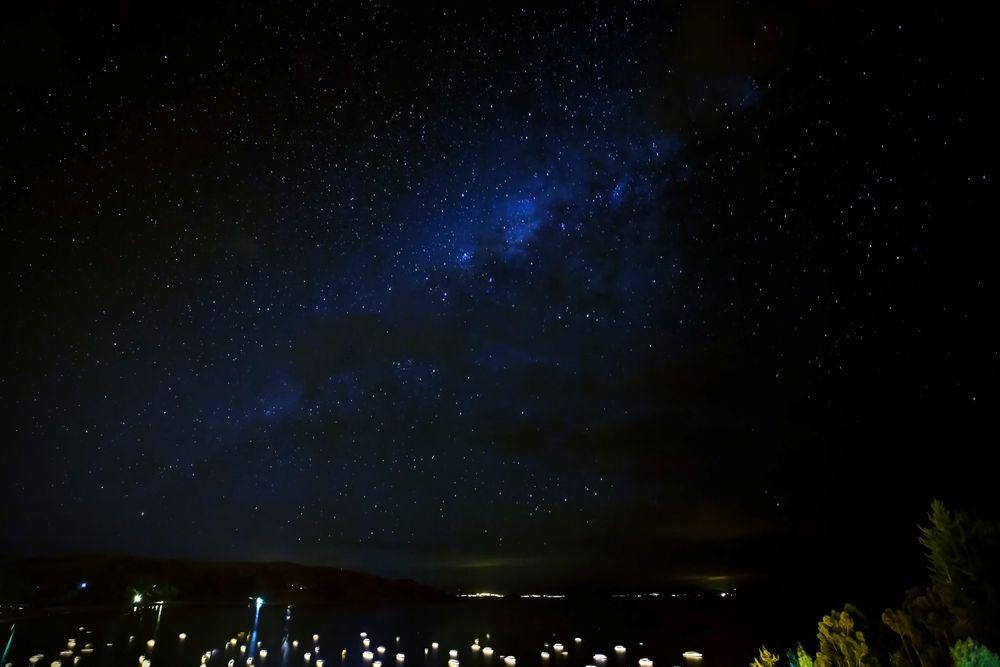 Milchstraße über dem Titicaca See
