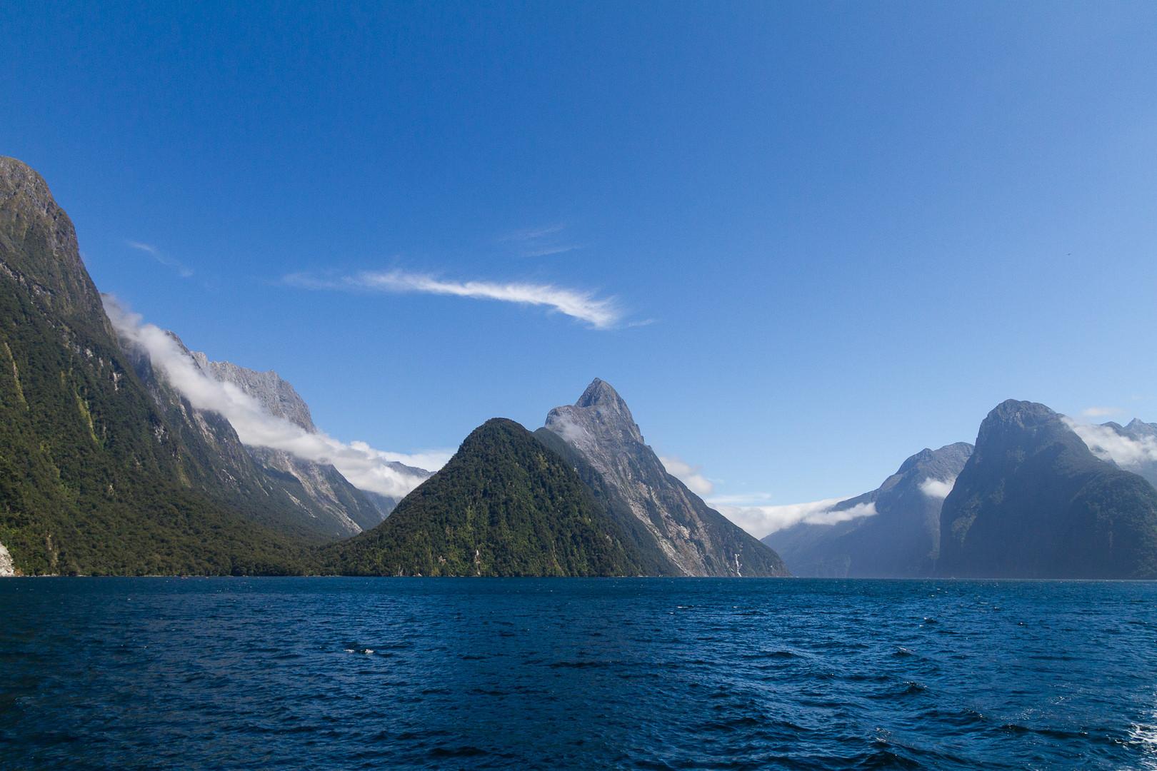 Milford Sound im Fjordland National Park, Neuseeland