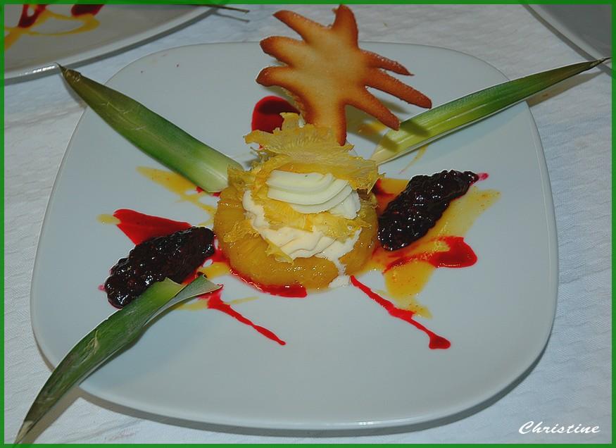 Millefeuille glacé à l'ananas, bon appétit!