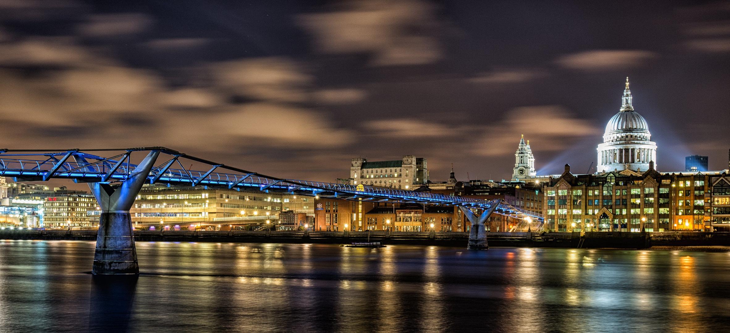 Millenium Bridge & St. Pauls