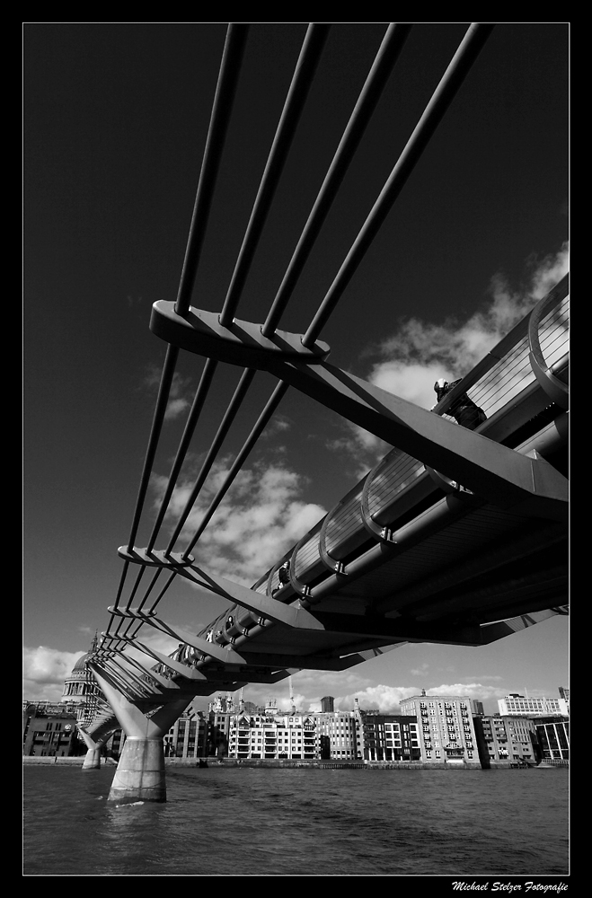-Millennium Bridge London-