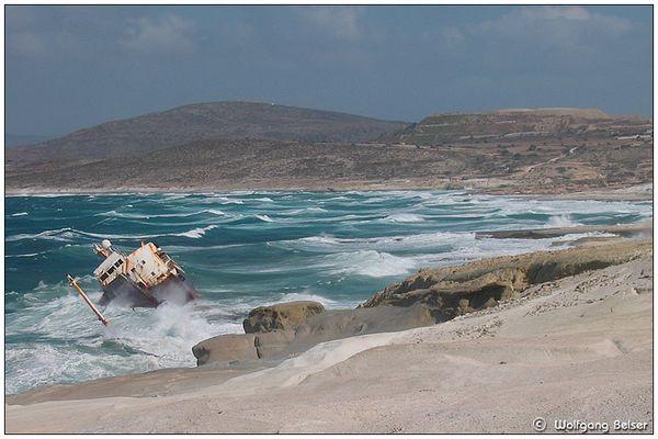 Milos - Schiffswrack vor Sarakiniko