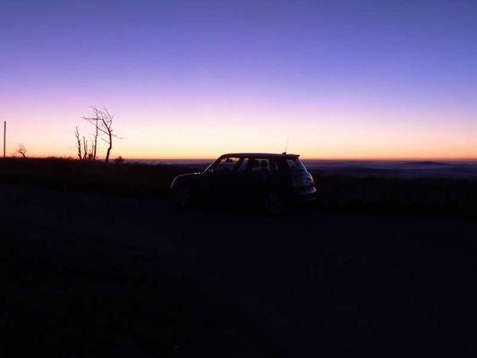 Mini mit Sonnenuntergang