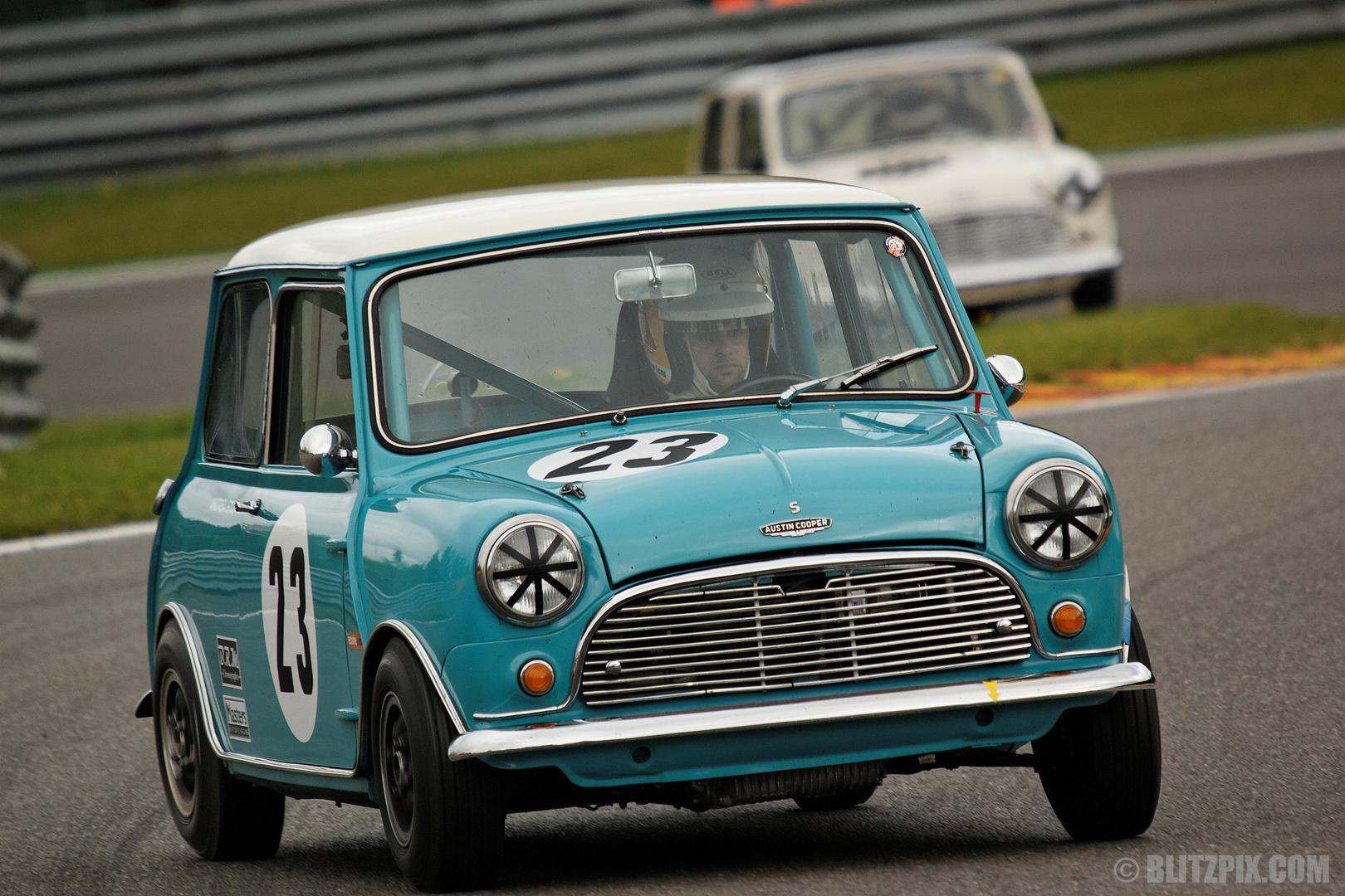 """"""" Mini-Racing """""""