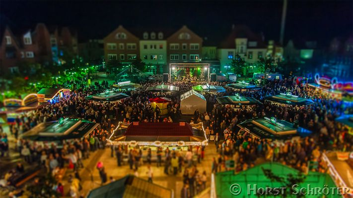 "Miniatur vom Stadtfest Nordenham mit ""United Four"""