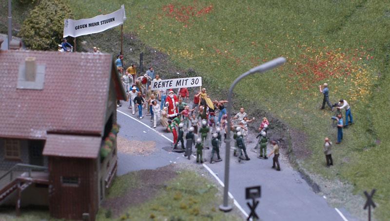 """Miniatur-Wunderland Hamburg: Demonstration """"Rente mit 30"""""""