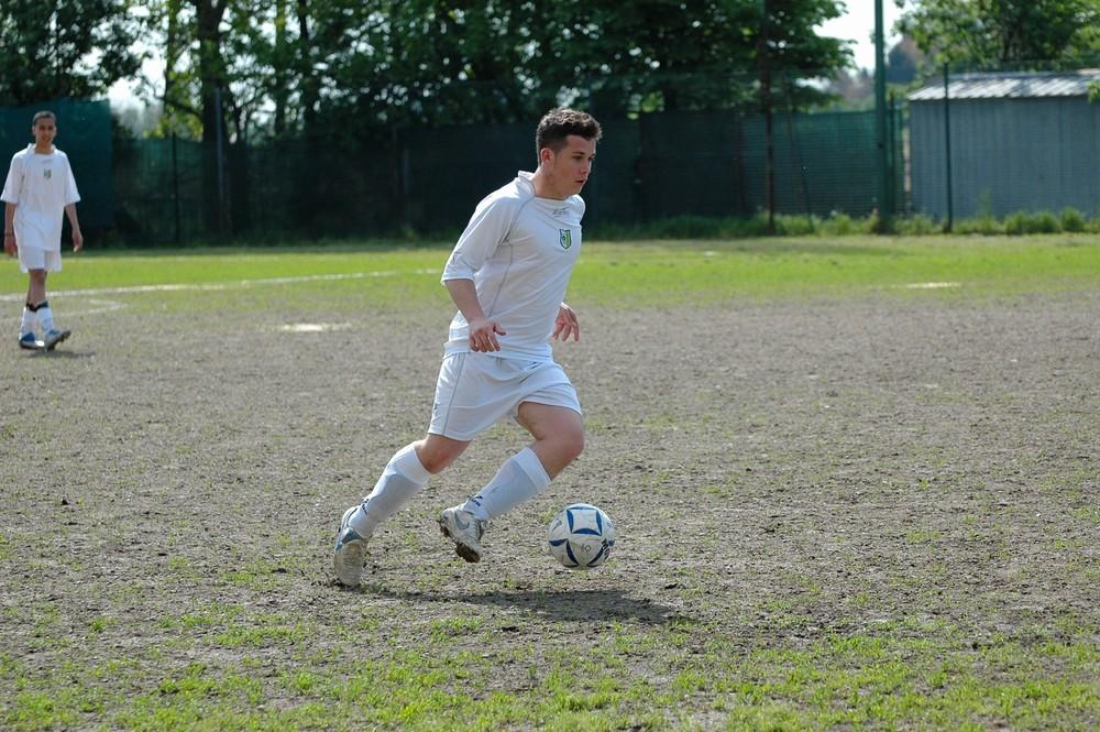 mio figlio adora giocare a calcio!
