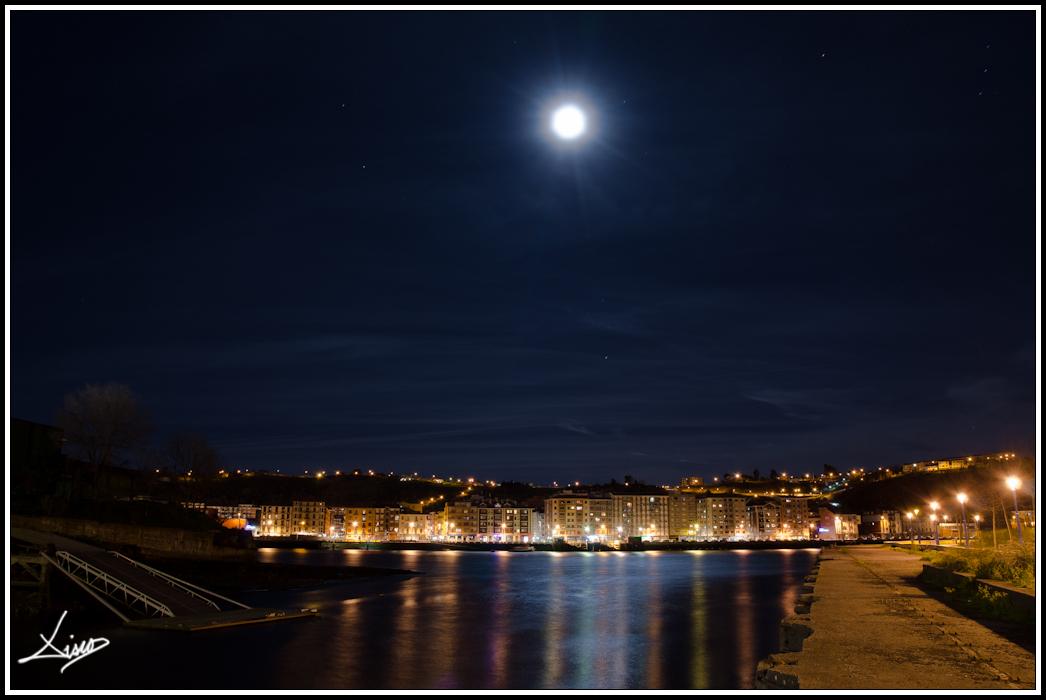 Mirando a la Luna