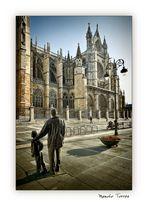 Mirando la Catedral (para Tessa y Amado)
