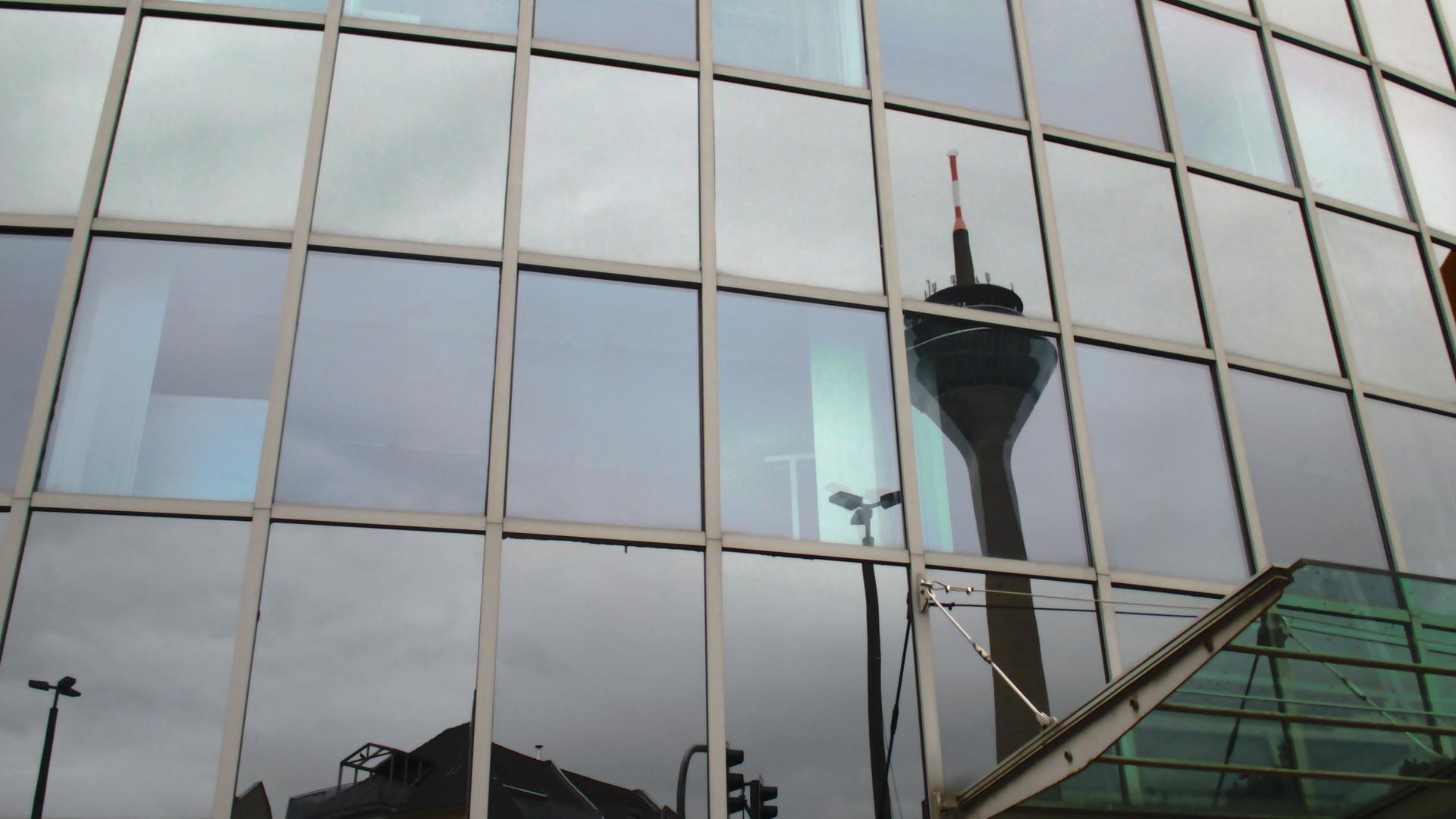 Mirror Pixel Fernsehrturm Düsseldorf 02