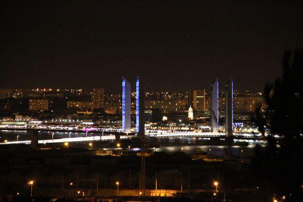Mise en lumière du pont Chaban