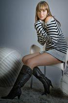 Miss_Mina_WhiteBall