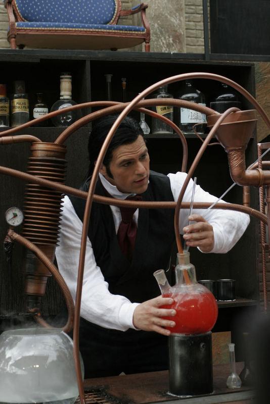 mister jekyll in seinem labor