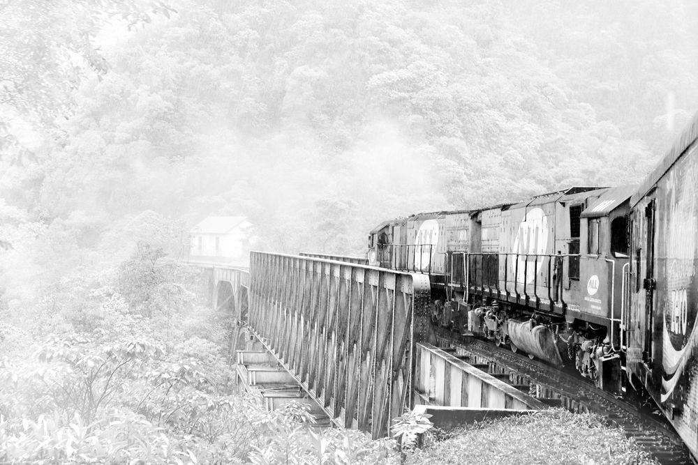 misty railroad von AJanzen