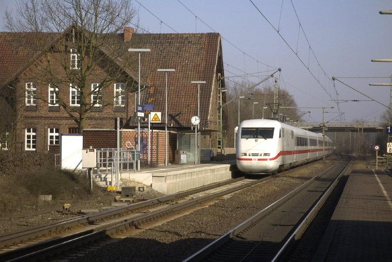 Mit 200 durch den Bahnhof